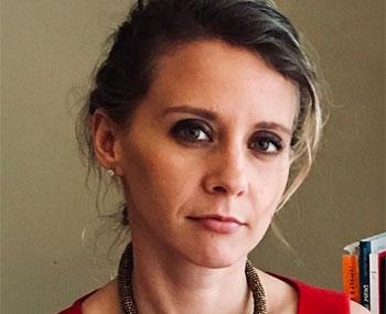 Izabela headshot